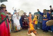 Огонь занимает важное место в ритаулах и обрядах разных народов.